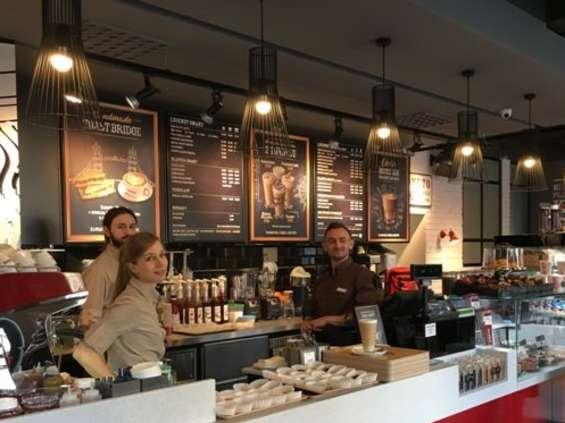 Costa z dwiema kolejnymi kawiarniami w Warszawie