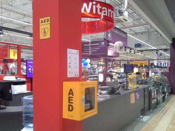 Defibrylatory w sklepach Carrefoura