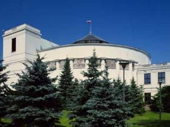 Debata w Sejmie o wolnych niedzielach