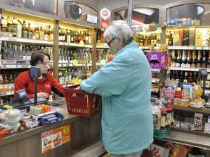 Pułapki na seniora na zakupach