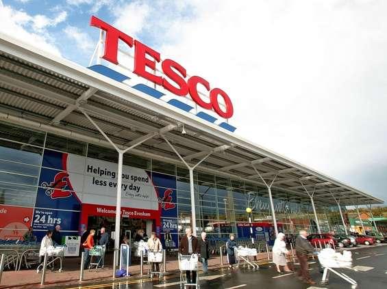 Tesco musi zapłacić 235 mln funtów za aferę księgową