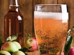 Wcieniu jabłoni