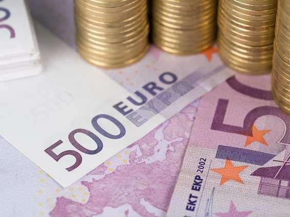 Euro przymusowe do 2025 r.? Bruksela zaprzecza