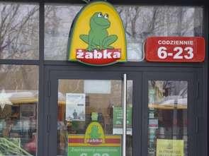 Centra handlowe na celowniku Żabki