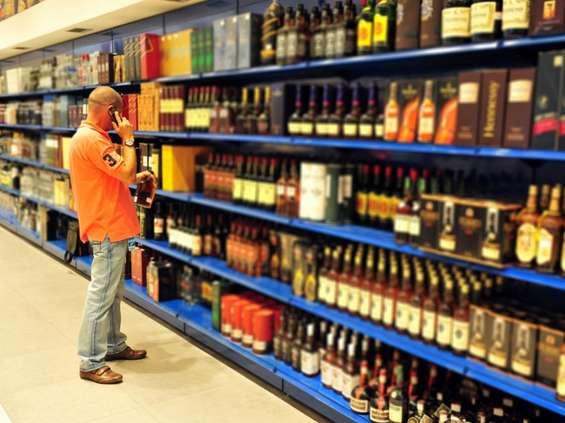 Rząd chce jeszcze ograniczyć reklamę alkoholu