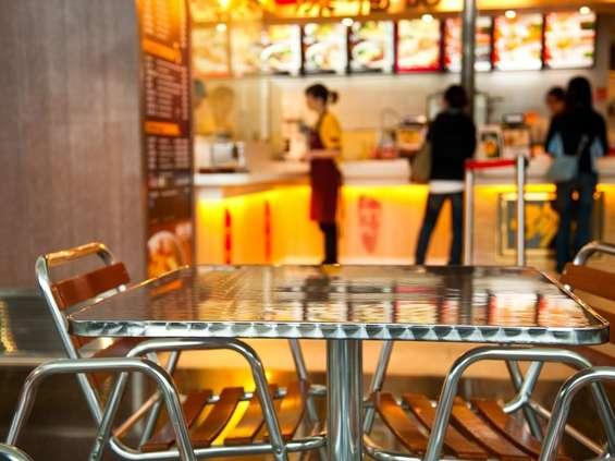 Branża gastronomiczna: możemy otwierać lokale po południu