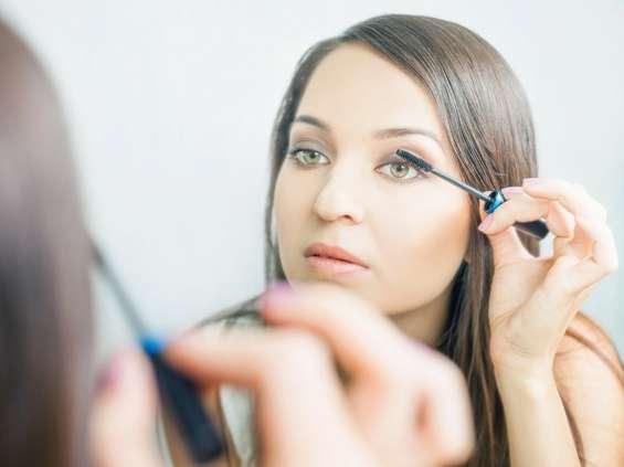 Im wyższe wykształcenie, tym częściej deklarowany zakup kosmetyków