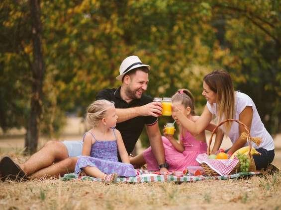 Polacy piją coraz więcej soków - już prawie litr miesięcznie