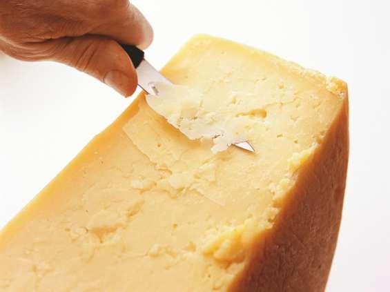 Żółty ser na fali wzrostu