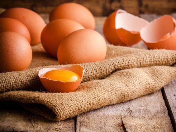 Nestlé rezygnuje z jaj z chowu klatkowego