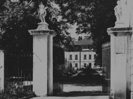 Nałęczów Zdrój kupił Pałac Małachowskich