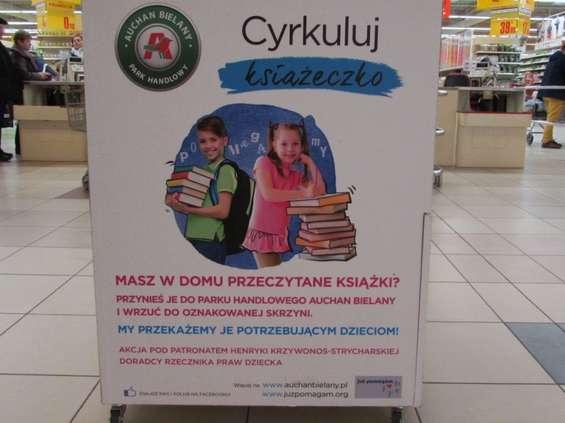 Centra Handlowe Auchan zbierają książki