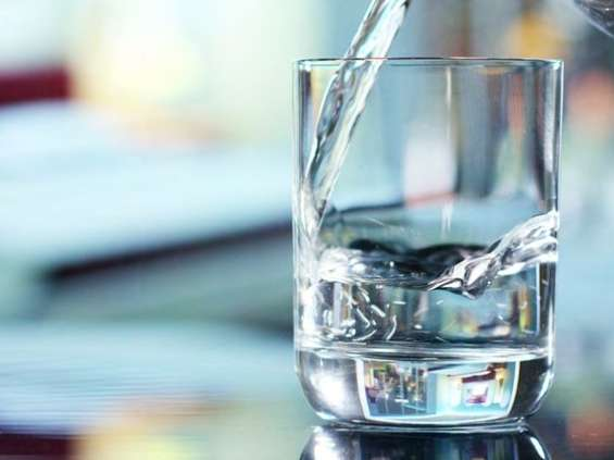 Woda na wysokiej fali