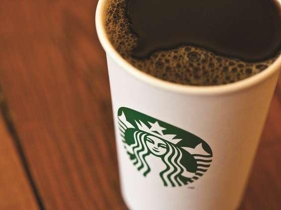 Nestlé będzie sprzedawać kawę Starbucksa