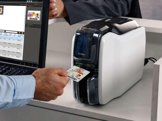 Zebra z rozwiązaniem do drukowania kart