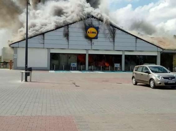Pożar w Lidlu w Radomsku