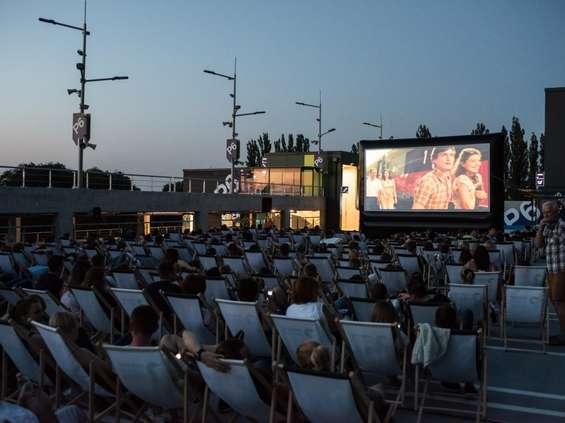 Kino pod chmurką w Zielonych Arkadach