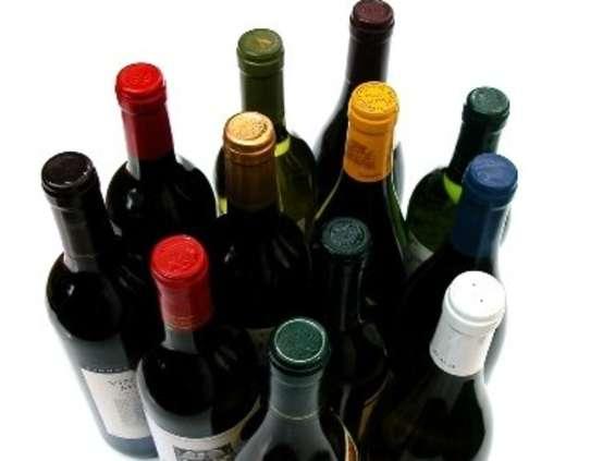 Najwyżej 30 zł - tyle za butelkę wina są w stanie zapłacić Polacy