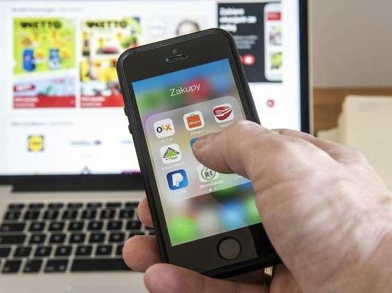 Młodzi ludzie wolą e-wydanie sklepowych gazetek