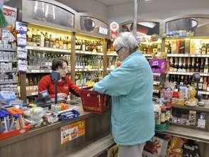 Znikają małe sklepy