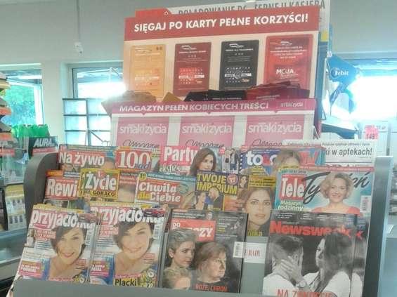 Coraz więcej prasy w Biedronce