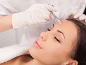 Botoks i zabiegi kosmetyczne w drogerii