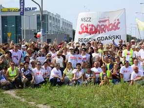 Pracownicy Makro wręczyli zarządowi emocjonalne memorandum