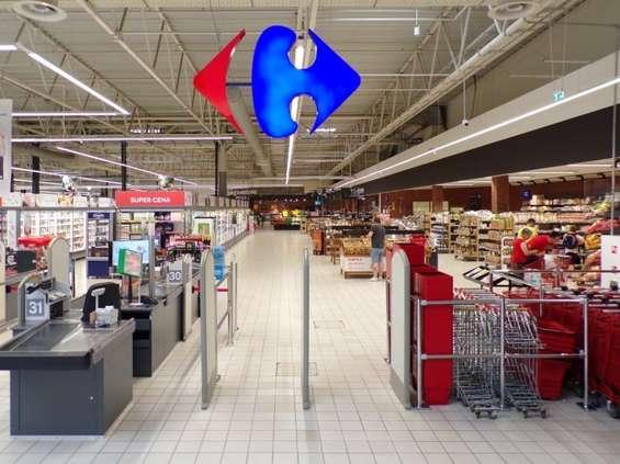 CH Bielawy z odnowionym Carrefourem