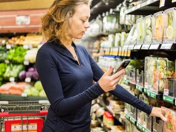 Promocje: obniżki cen w dół, konkursy i degustacje w górę