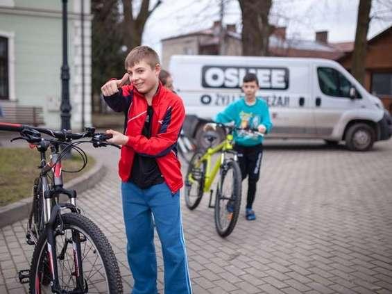 Oshee przekazało 44 tys. zł na sprzęt sportowy