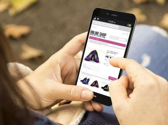 Generacja Z masowo kupuje online