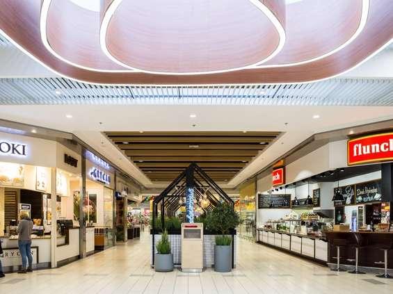 Auchan Produkcyjna po renowacji