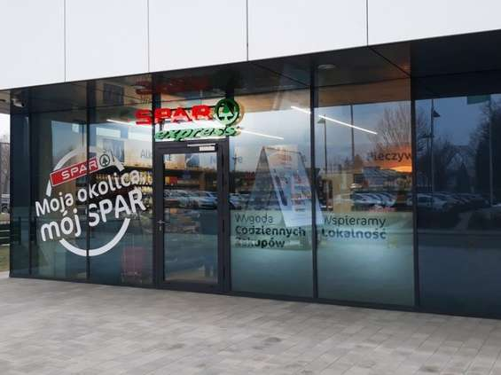 Spar rozpycha się w Krakowie