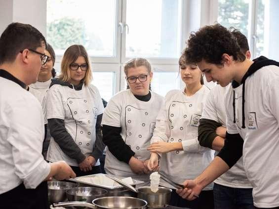 Szef dla Młodych Talentów ruszył w Polskę