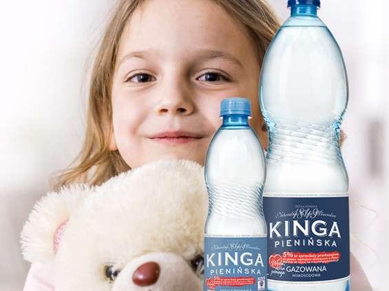 Kinga Pienińska pomaga