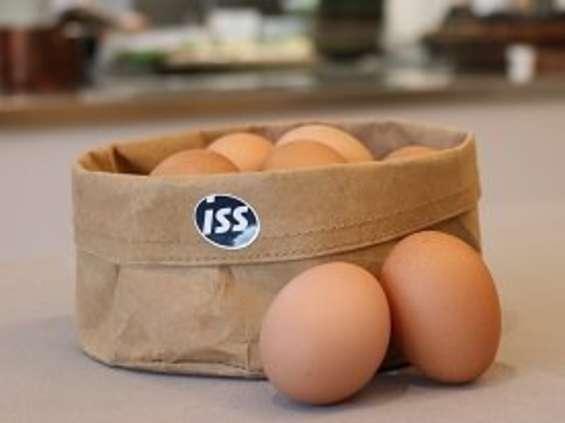 Firma cateringowa rezygnuje z jajek trójek