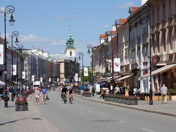 Warszawskie ulice handlowe na początku drogi