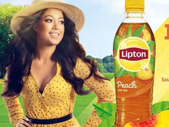Patrycja Kazadi twarzą konkursu Lipton Ice Tea