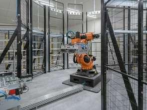 Robot obsługuje nowe centrum logistyczne Frisco.pl