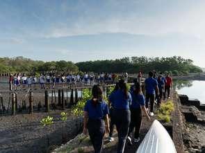 """Bali mówi """"nie"""" plastikowym odpadom"""