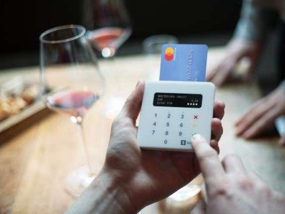 Więcej mobilnych urządzeń płatniczych dla małych firm
