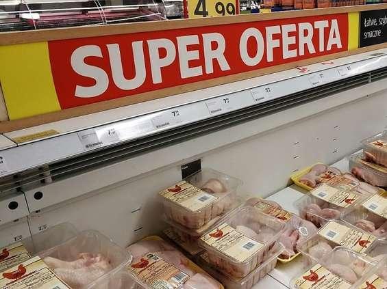Kurczak nie drożeje, kaczki coraz tańsze, droższa gęsina