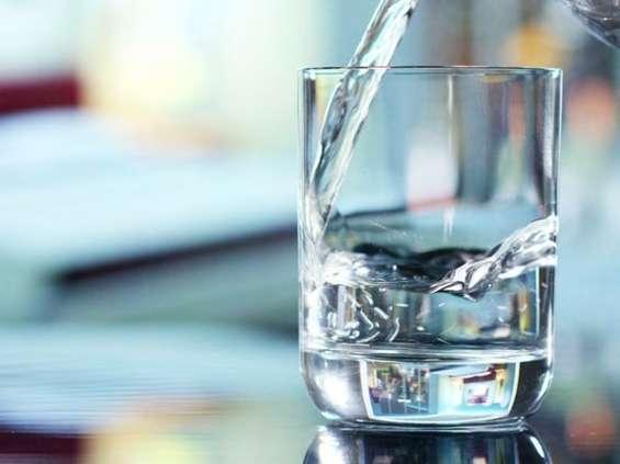 Woda z kranu. Czy to bezpieczne?