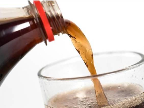 Singapur wprowadza zakaz reklamowania słodkich napojów