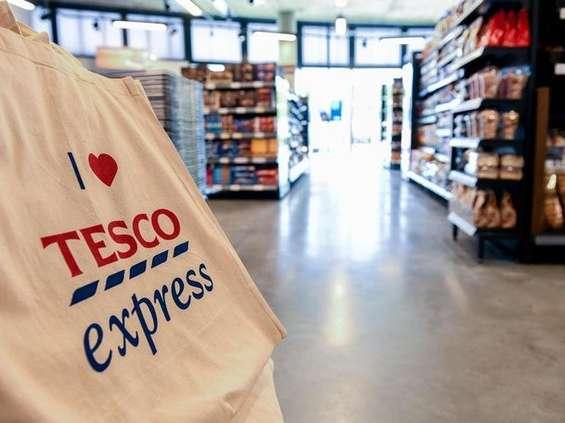 Tesco: Polacy wolą mniejsze sklepy