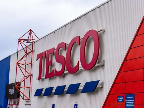 Sprzedaż Tesco w Europie Centralnej dalej spada