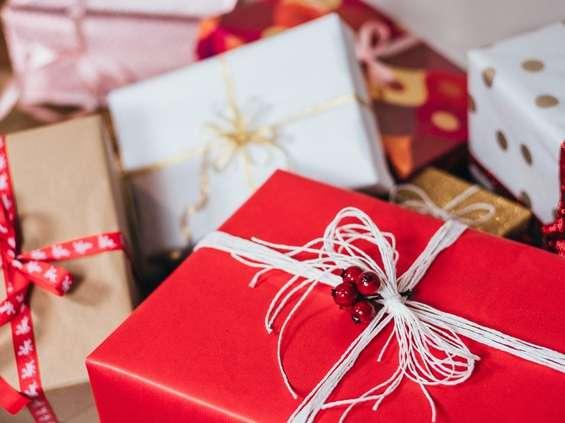 Tesco: Polacy wciąż obawiają się zwracania nietrafionych prezentów