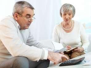 Osoby starsze nie boają się korzystać z karty płatniczej