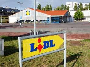 Polacy z wielkich miast wolą otwarte w niedziele sklepy