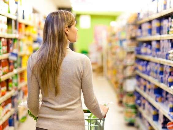 Nielsen: małe sklepy idą pod młotek, rosną dyskonty i supermarkety